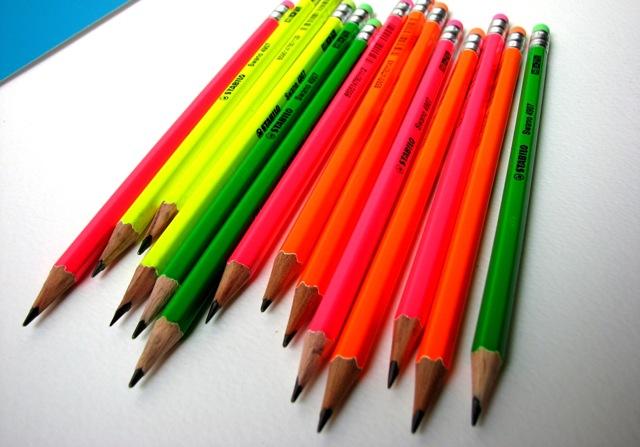 Olovka grafitna Stabilo sa gumicom